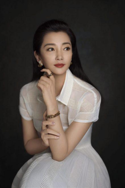 Die Oscar-Preisträgerin Li Bingbing für die #DiorChinUp Kampagne