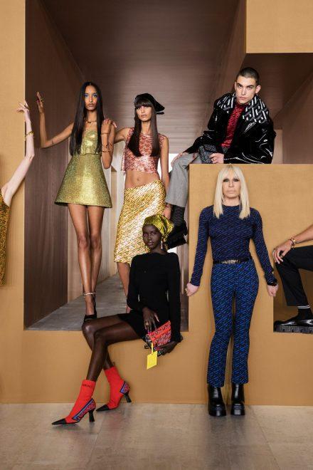 """Versaces Monogramm erstrahlt im neuen Design """"La Greca"""""""