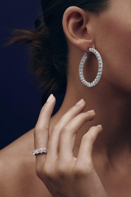 Diamanten, die das Herz berühren